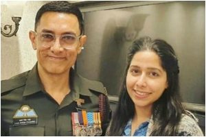 Laal Singh Chaddha: Aamir Khan's new 'uniformed look' out as he poses with fan