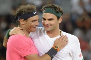 Roger Federer, Rafael Nadal play in front of record crown in Cape Town