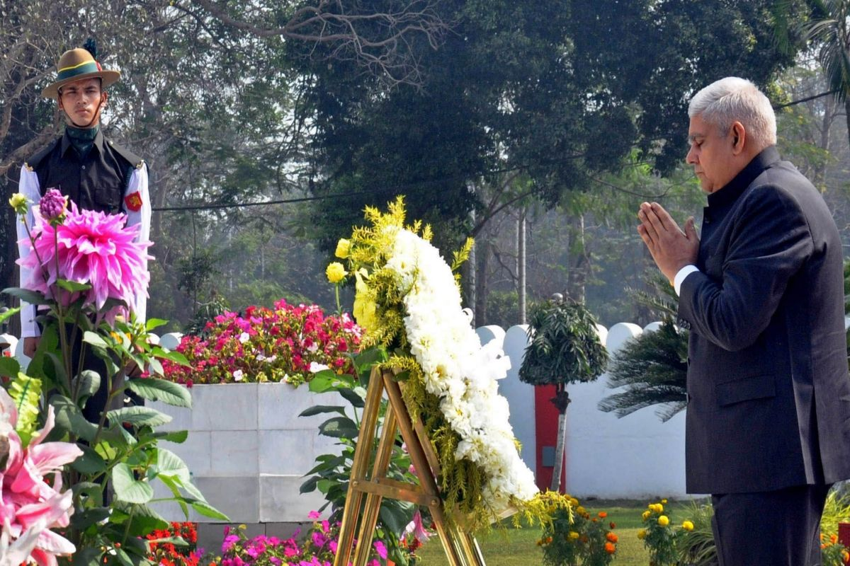 Jagdeep Dhankhar pays respects to martyrs of 1971 War