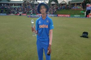 Yashasvi Jaiswal's World Cup man of the tournament trophy breaks