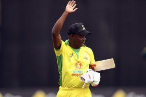 Bushfire Cricket Bash: Ponitng's one-handed flick to Lara's lofted drive; legends turn clock back