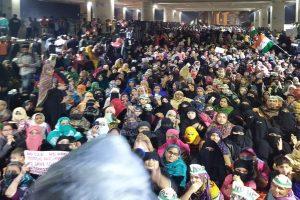 Women protesters block Delhi road, say, 'will not move till CAA is revoked'; Jaffrabad metro station closed