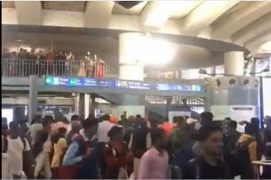 People chant 'Goli maaro' at Delhi's Rajiv Chowk Metro Station, 6 detained