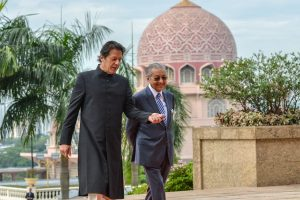 Imran Khan, Malaysia PM Mahathir to hold talks on Tuesday