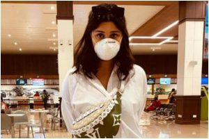 Parineeti Chopra gears herself against Coronavirus, shares picture with mask