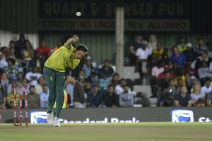 Dale Steyn surpasses Imran Tahir to become leading T20I wicket-taker for South Africa