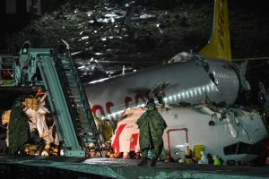 3 killed after Turkish jet skids off runway, breaks into pieces; over 100 injured