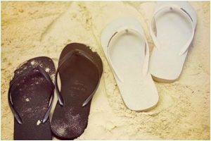Deepika Padukone shares yet another pic from their beach vacay