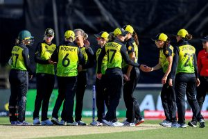 Australia enter Women's T20 World Cup semis yet again, beat New Zealand by 4 runs