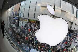 Apple temporarily shuts all stores outside greater China due to COVID-19