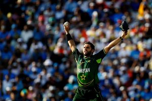 Shahid Afridi earns praises from Harbhajan Singh for philanthropy during COVID-19 crisis
