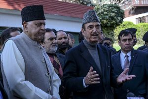 Ghulam Nabi Azad calls on Farooq Abdullah; first leader to meet NC chief after release from detention