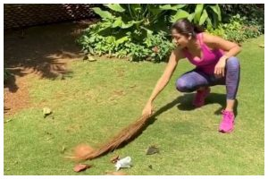Shilpa Shetty cleans up garden, pens heartfelt note for house help