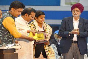 West Bengal government felicitates Deepti Sharma