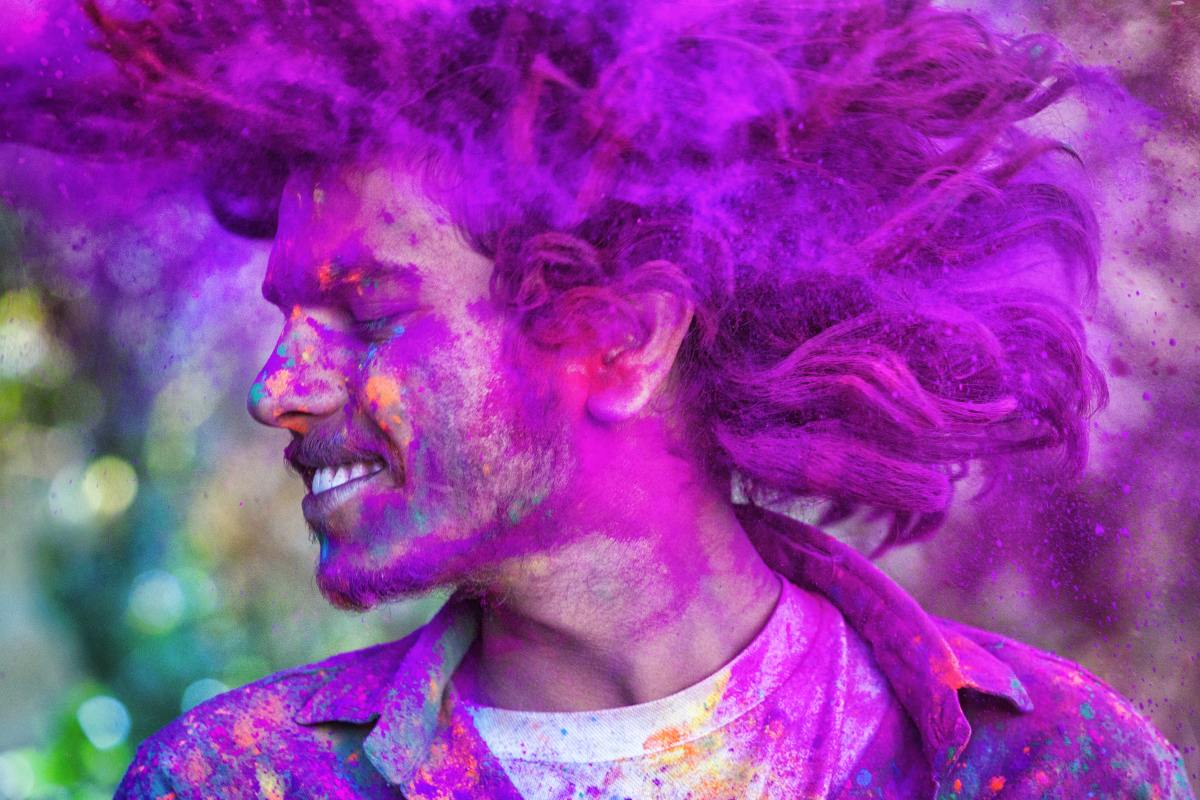 Holi Special: Swinging idols, hurling abuses and other Holi rituals across India