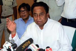 Kamal Nath asks for 'floor test on date fixed by Speaker' in meeting with Governor amid MP crisis