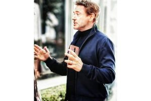 Robert Downey Jr spotted with OnePlus 8, may launch in April
