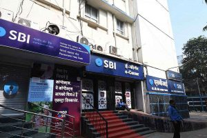 COVID-19 Effect: SBI passes on entire 75 bps rate cut to borrowers