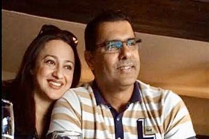 Waqar Younis labels doctor wife 'HERO' as healthcare professionals continue to lead fight against COVID-19