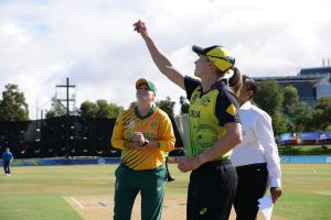 Women's T20 World Cup: South Africa opt to bowl against Australia in 2nd semifinal