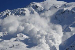 5 killed as avalanche hits Pakistan hill station, several injured