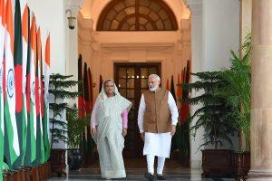 Modi hails B'desh's achievements on eve of Dhaka visit