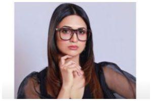 Divyanka Tripathi Dahiya asks fans to offer remedy for her unique problem