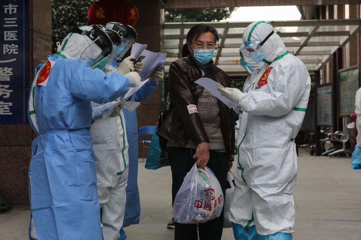 Coronavirus: Hotel housing quarantine victims in China collapses