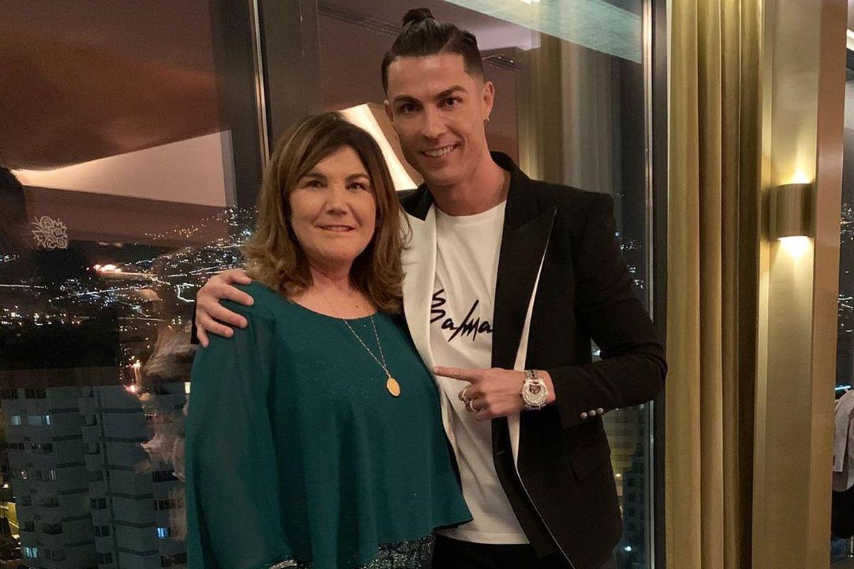 Cristiano Ronaldo, Cristiano Ronaldo mother,