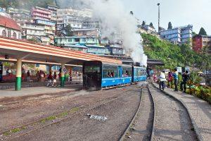 Tourists start leaving Darjeeling Hills