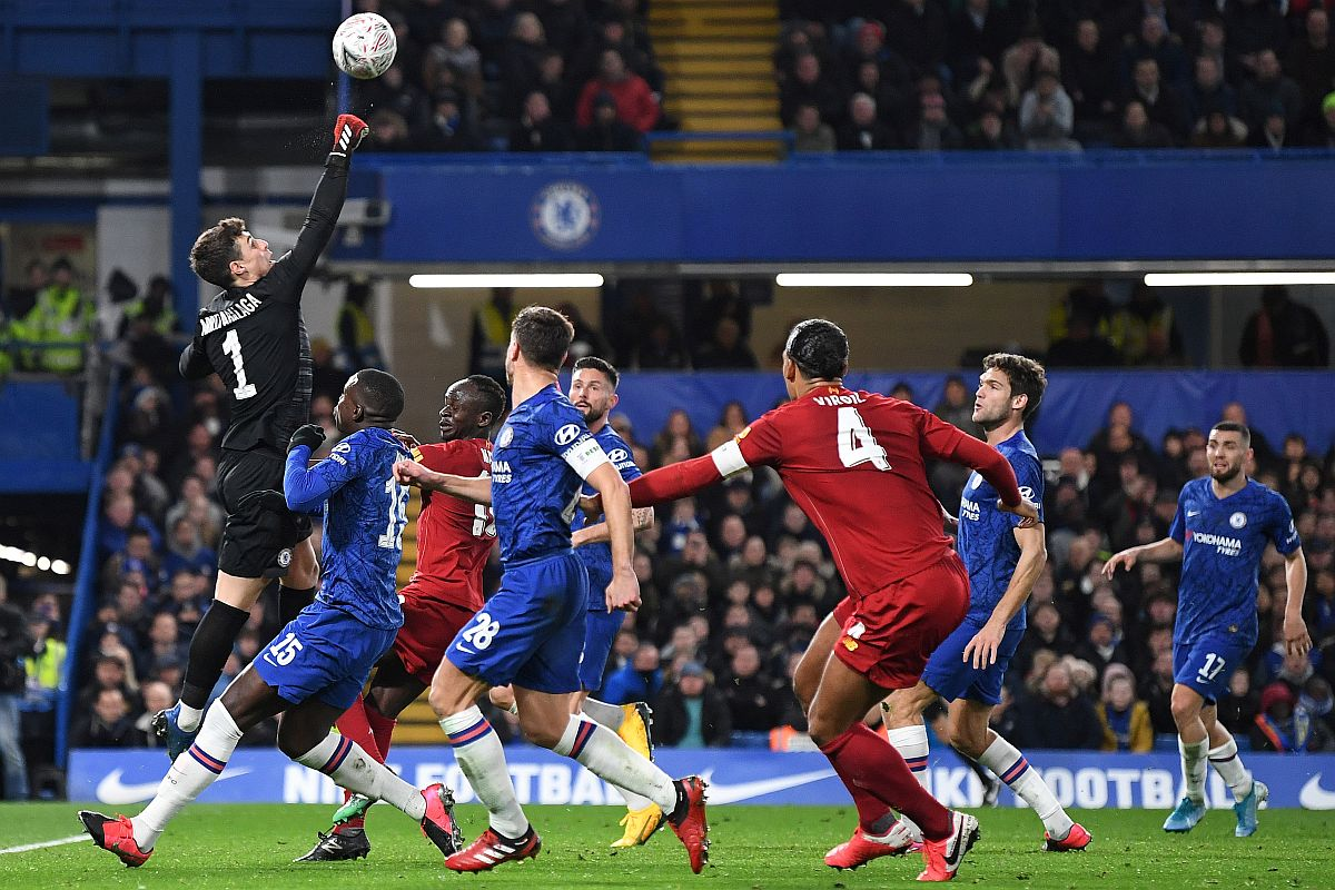 Fa Cup Chelsea Pile Up Liverpool S Agony Embarrass Reds 2 0 To Ease Into Quarters