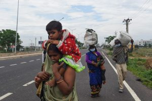 Home Ministry asks states to stop mass exodus of migrant labourers amid lockdown