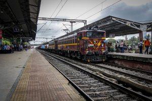 'Near-lockdown mode': All passenger trains to halt on 'Janata Curfew', those already running won't stop