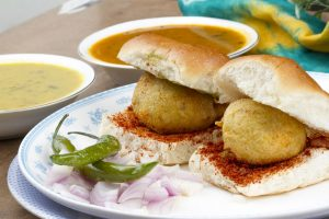 Food Review: City of dreams 'Mumbai' deserves title of street food capital of India with its 'tikha, chatpata and meetha swad'
