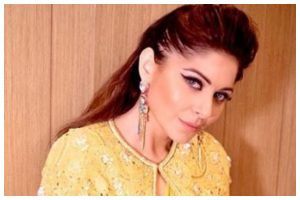 Kanika Kapoor pledges to donate plasma for treatment of COVID-19 patients