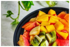 Start eating more of anti-aging fruits to reverse the aging process