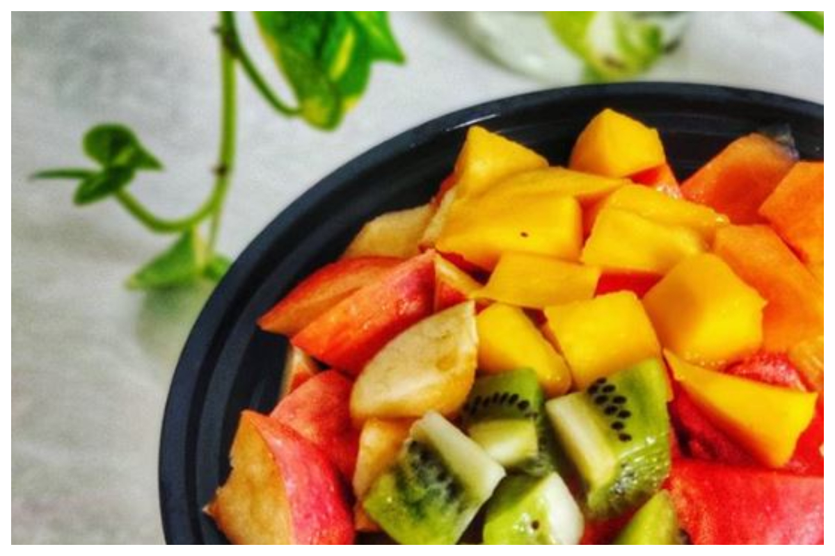 Start Eating More Of Anti Aging Fruits To Reverse The Aging Process