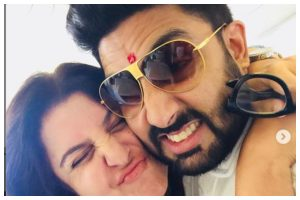 Abhishek Bachchan contributes Rs 1 lakh towards Farah Khan's daughter's initiative