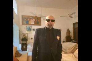 COVID-19: Kapil Dev sports new look amid lockdown, shaves head