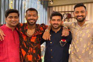 Hardik Pandya shares 'Siblings Day' photo with Krunal and cousins