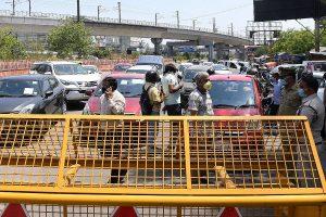 Traffic jam at Delhi-Ghaziabad border after DM prohibits movement to stop coronavirus spread