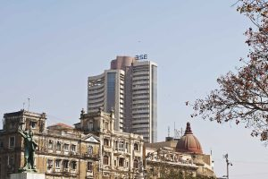 Weak oil rattles Indian stocks; Sensex, Nifty trades in red