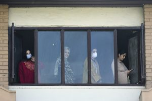 489 people go home after completing 14-day quarantine in Kashmir