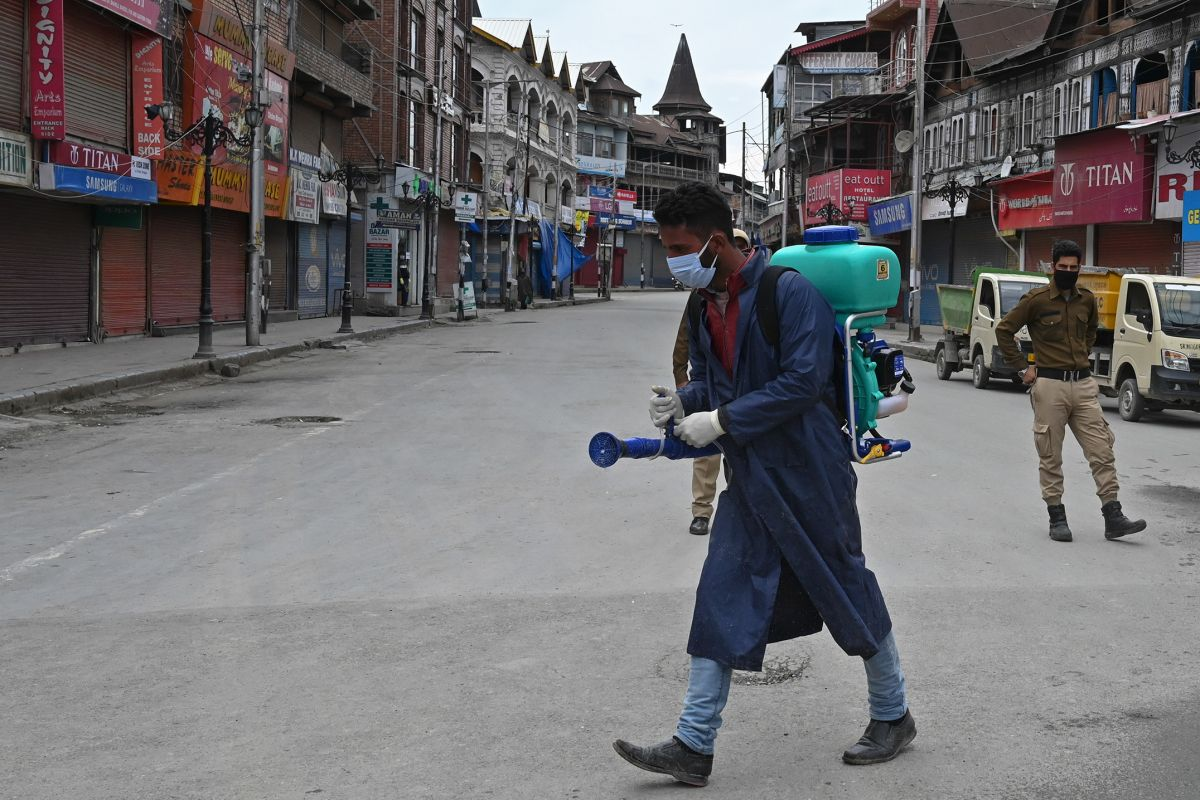 SC asks Centre, J-K administration to reply on plea seeking restoration of 4G