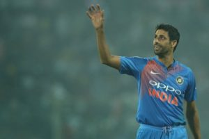Sweat and saliva must: Ashish Nehra, Harbhajan Singh against legalisation of ball-tampering