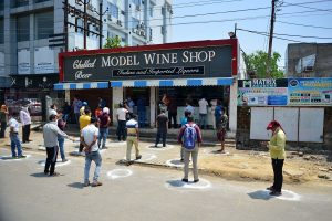 Delhi heads for no queues at liquor stores, government issues 4.75 lakh e-token to buy alcohol