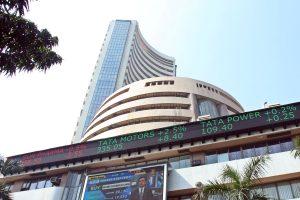 Bank, NBFC stocks fall as RBI extends loan moratorium period till August 31