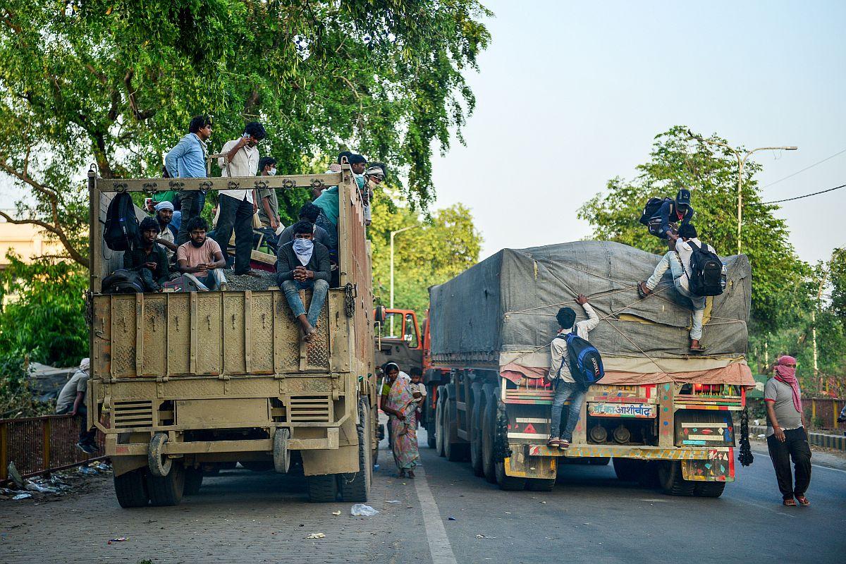 24 migrant labourers dead after two trucks collide in Uttar Pradesh