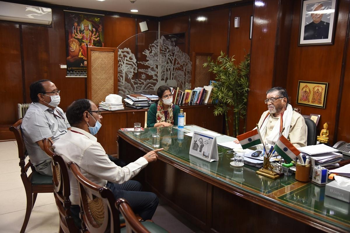 Santosh Gangwar, labour welfare, Labour Bureau, Chandigarh, Shimla