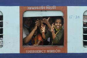Train with over 1100 labourers, pilgrims reaches Bengal